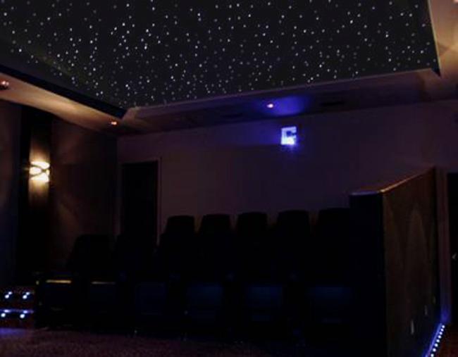 фото к новости: стильный потолок Звездное небо 3