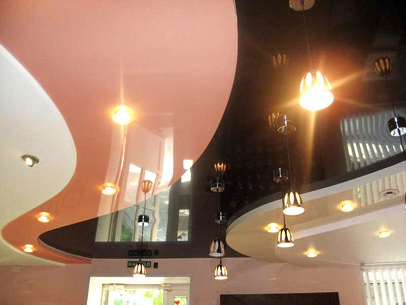 Показать подвесные потолки фото зал